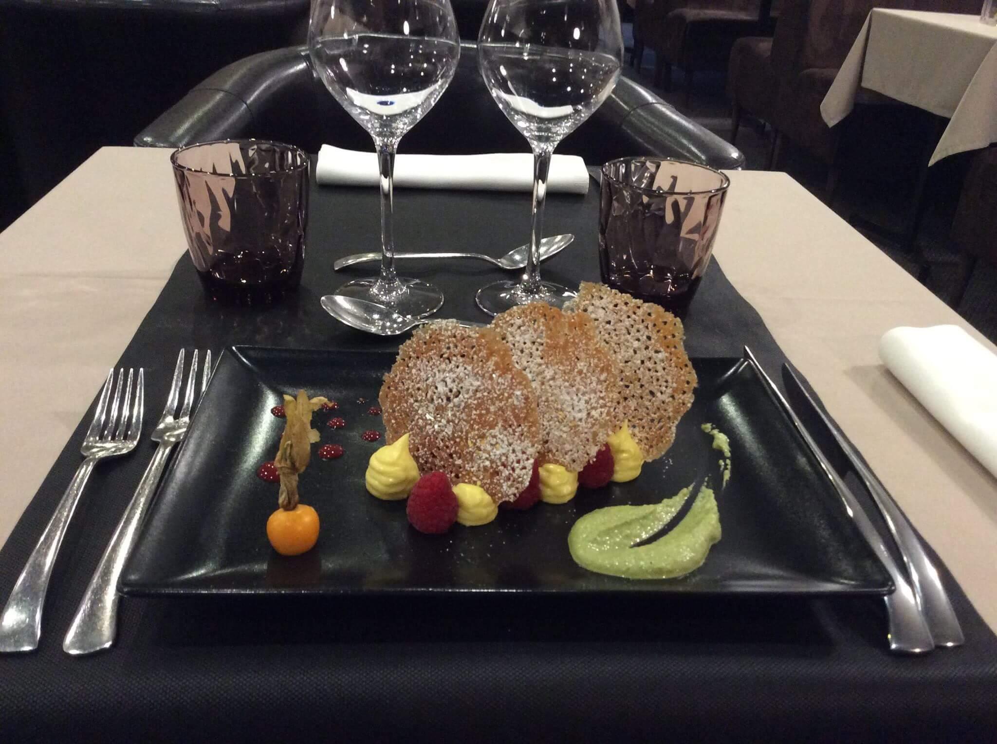 millefeuille-yuzu-framboise-restaurant-rouen
